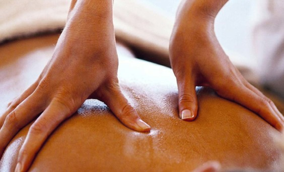 I pericoli dei massaggi in spiaggia